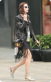 街拍打扮时髦的气质美女