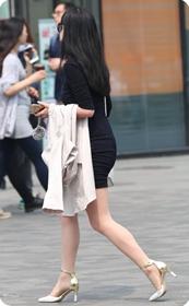 迷人的腰线翘臀,肉丝美腿高跟少妇