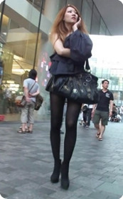 街拍长腿美女