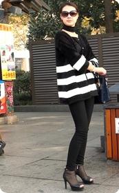 街拍,身材超赞的极品少妇