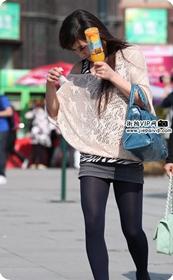 街拍短裙高跟美女