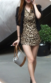 牛仔热裤,豹纹系美女