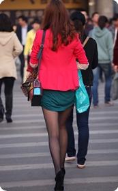 红套衫绿裙