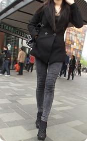 街拍街头牛仔美女,高跟长腿十足诱惑