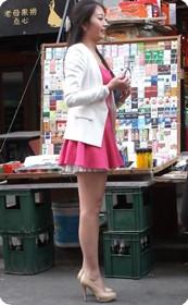 超短裙美腿妞