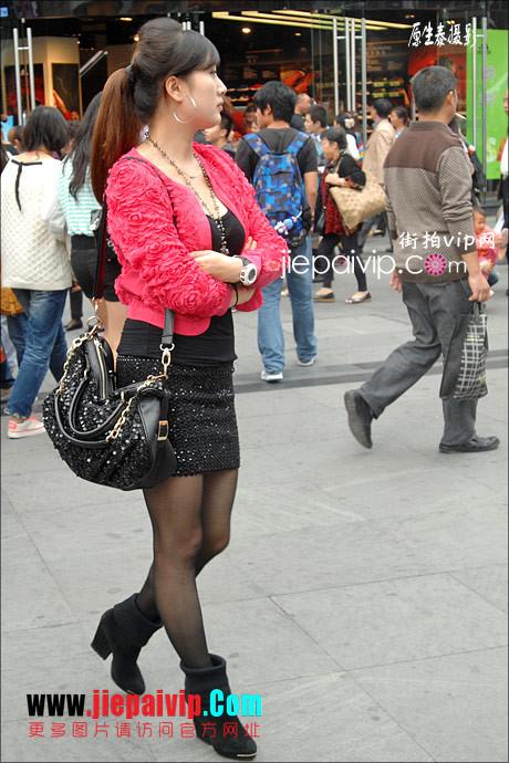 街拍超短裙,紧身衣,少妇9