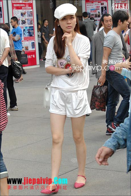 街拍超短裙,紧身衣,少妇10