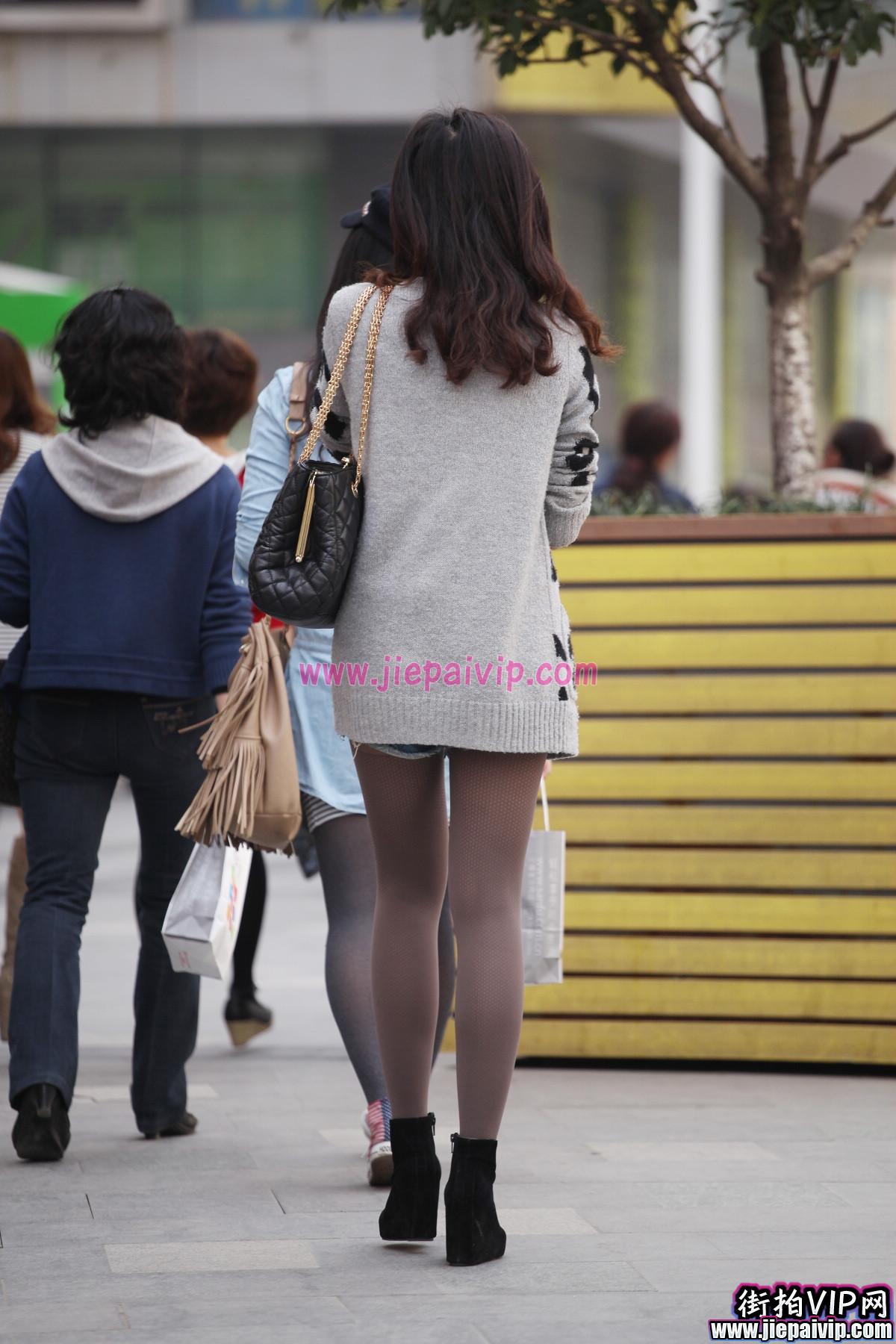 非常正点,时尚短裤美眉3