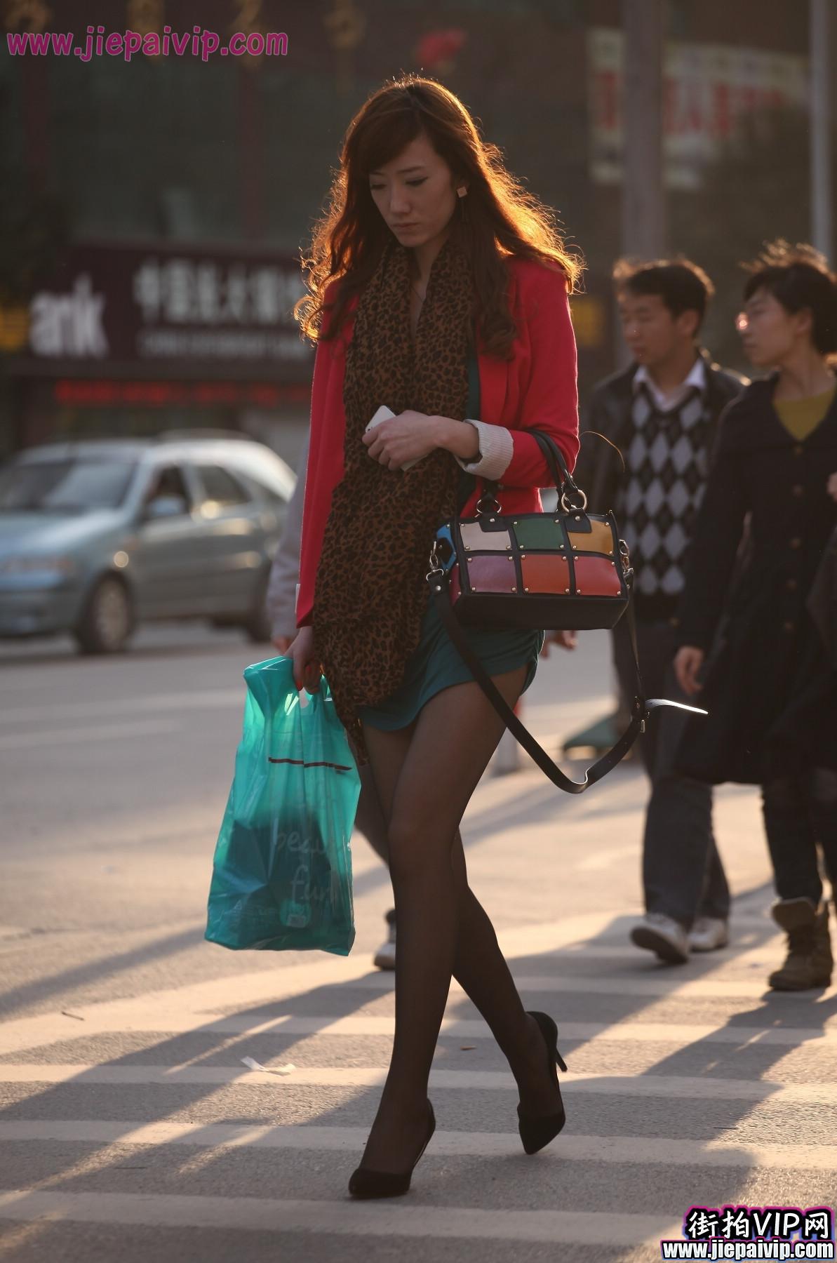 红套衫绿裙2
