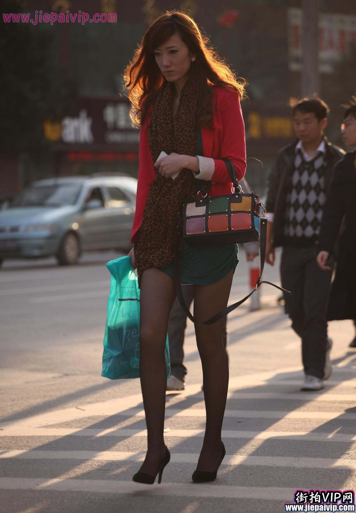 红套衫绿裙3