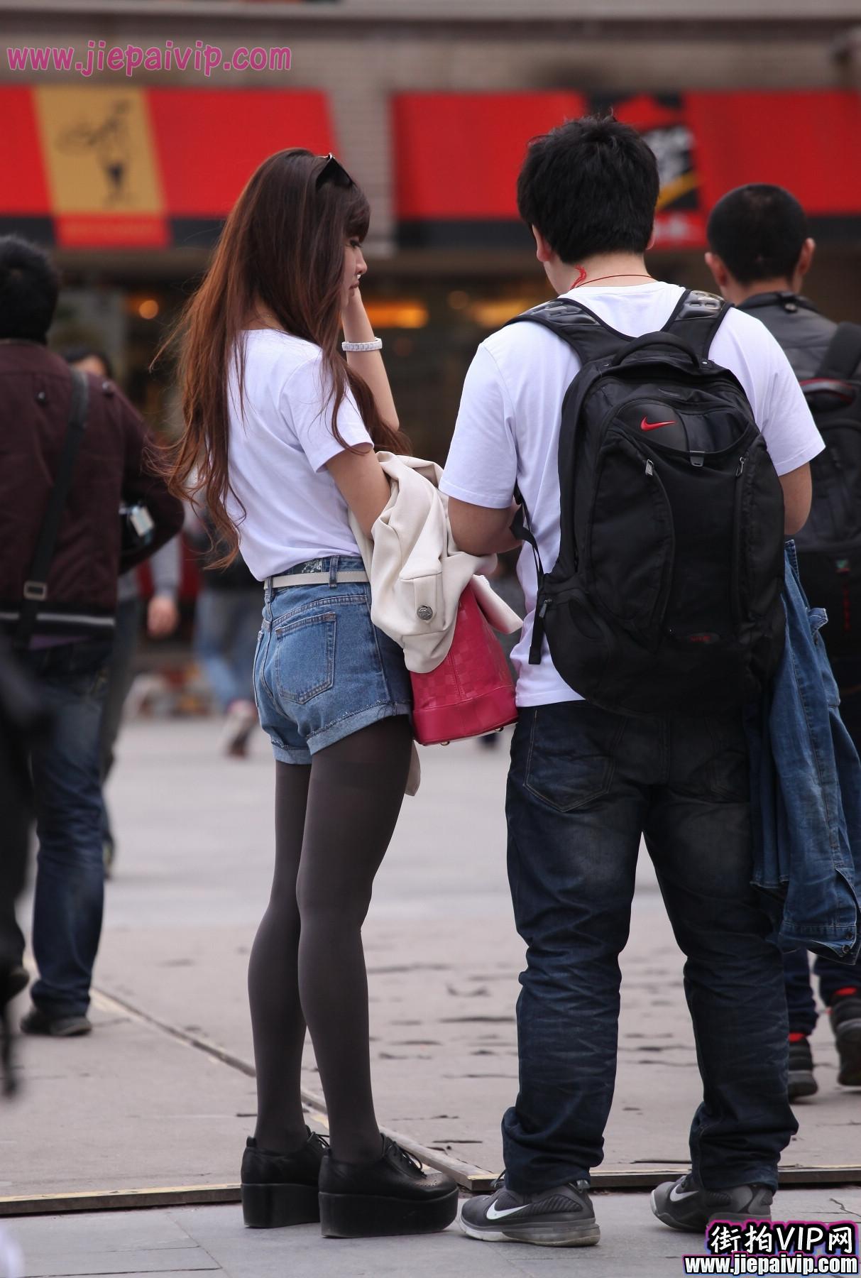 牛仔短裤美眉1