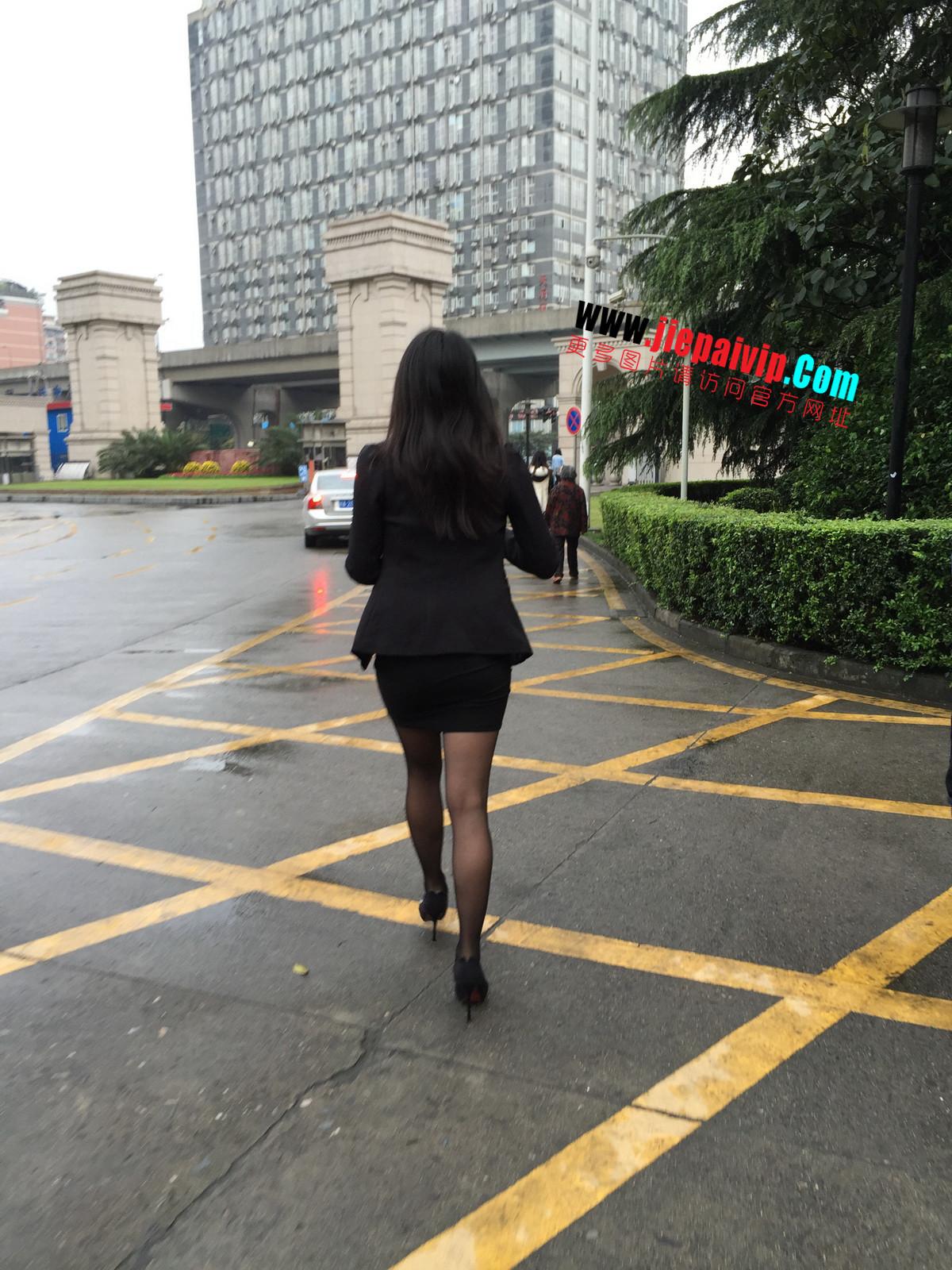 街拍职业OL美女,黑丝高跟,短裙包臀54