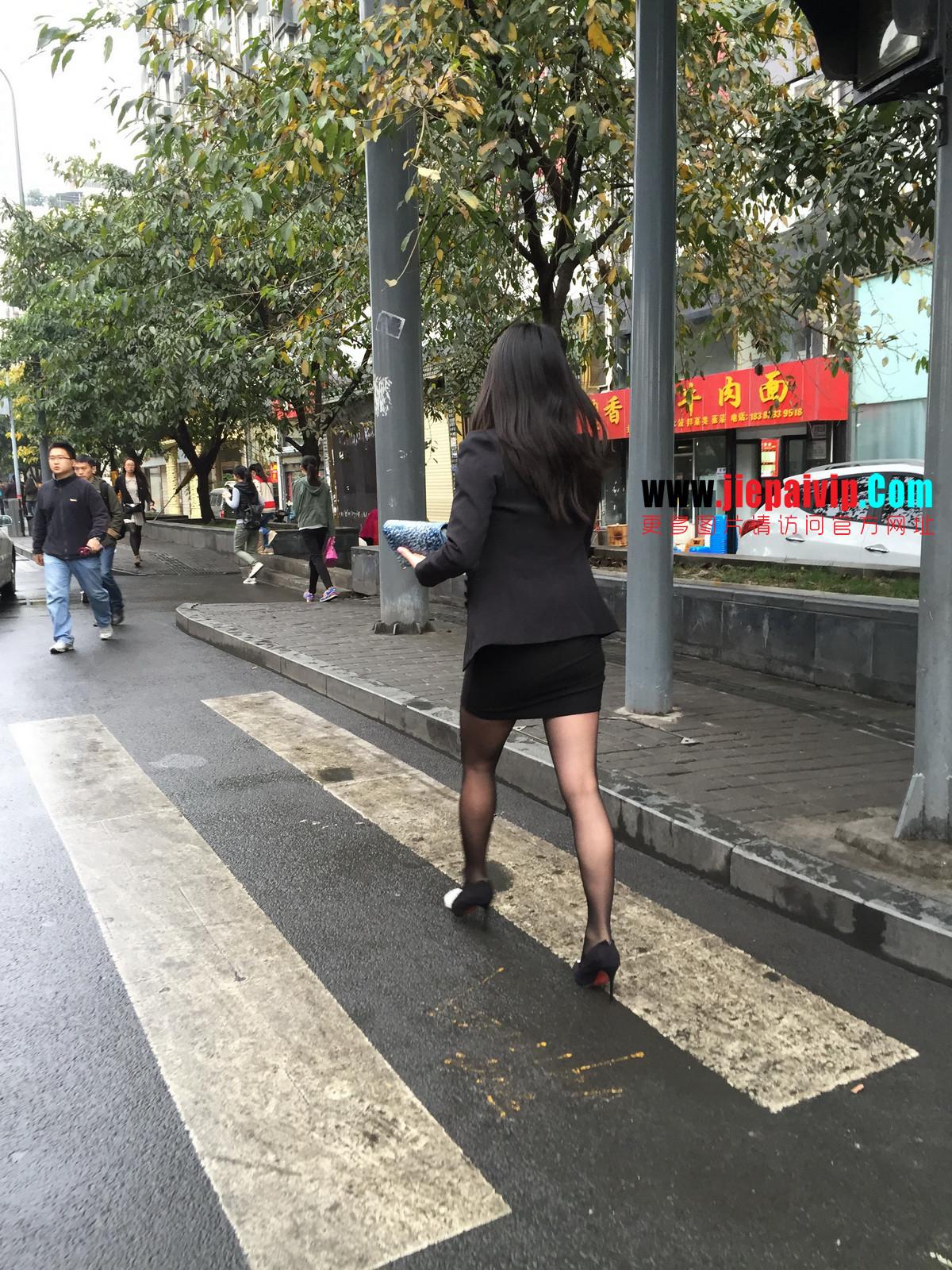 街拍职业OL美女,黑丝高跟,短裙包臀21