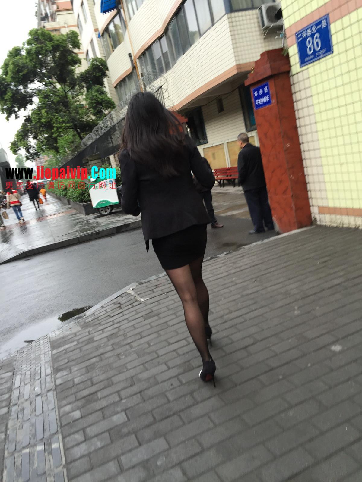 街拍职业OL美女,黑丝高跟,短裙包臀22
