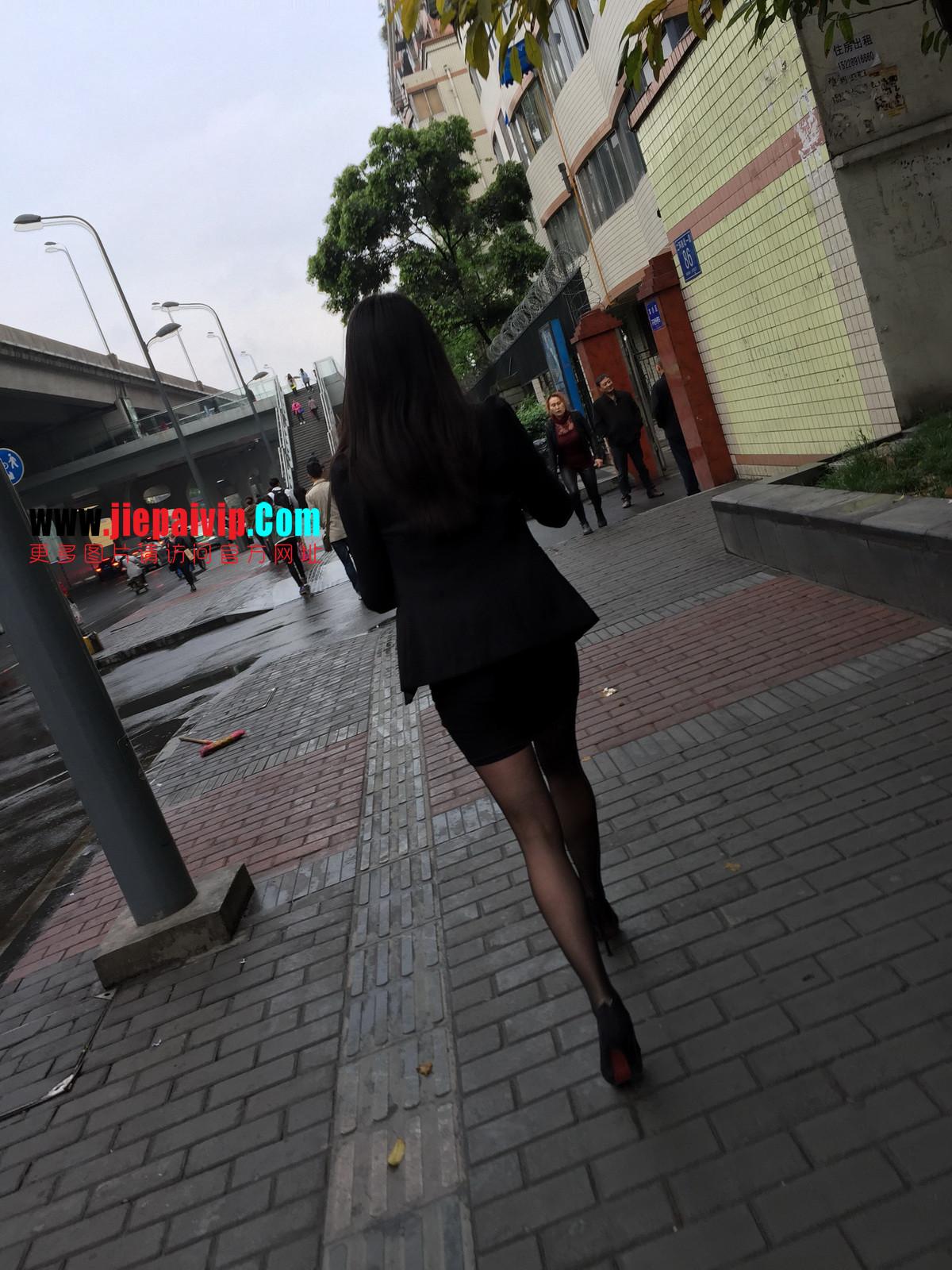 街拍职业OL美女,黑丝高跟,短裙包臀24