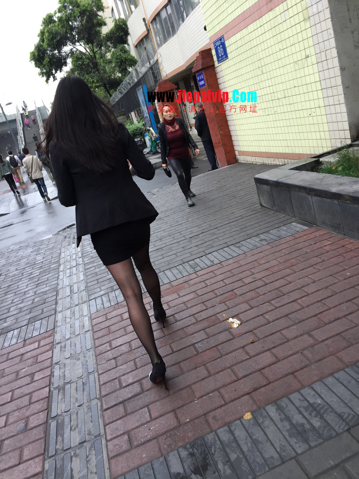 街拍职业OL美女,黑丝高跟,短裙包臀28