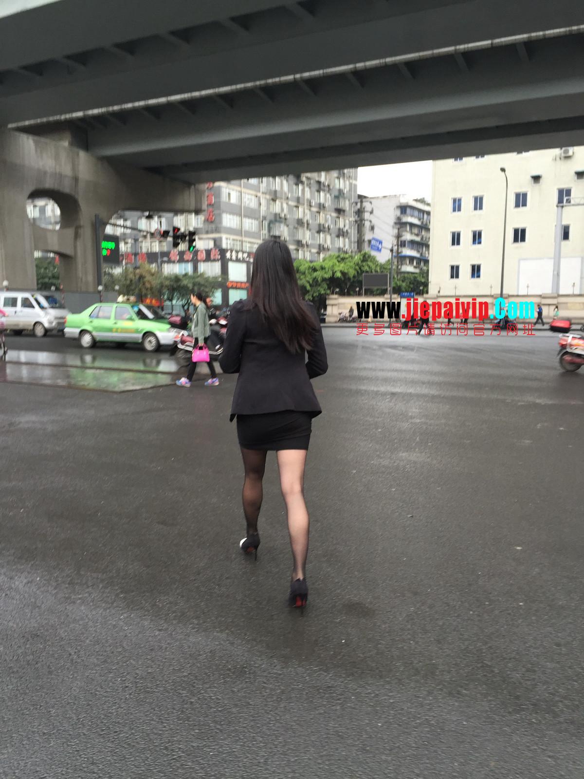 街拍职业OL美女,黑丝高跟,短裙包臀11