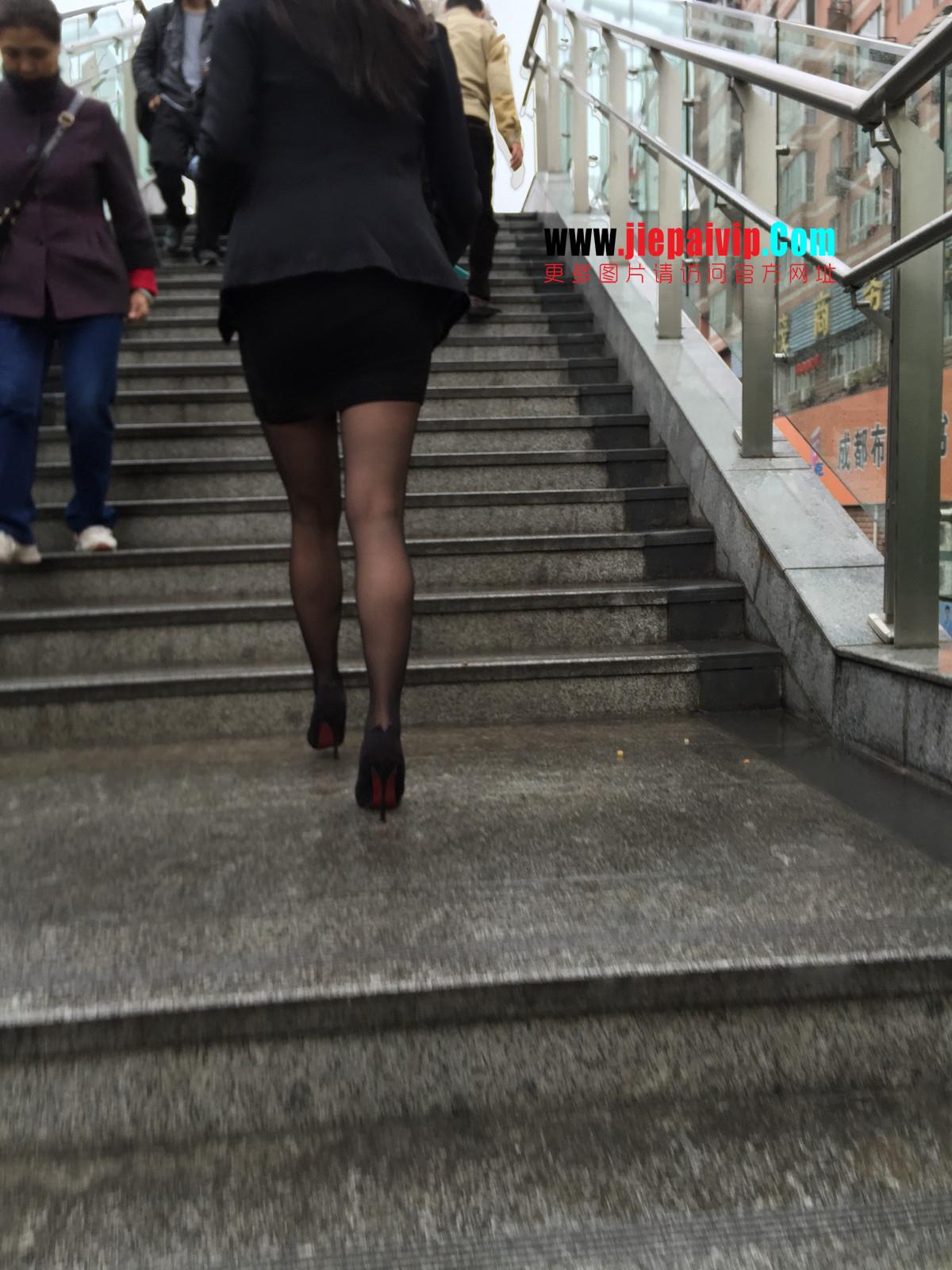 街拍职业OL美女,黑丝高跟,短裙包臀31