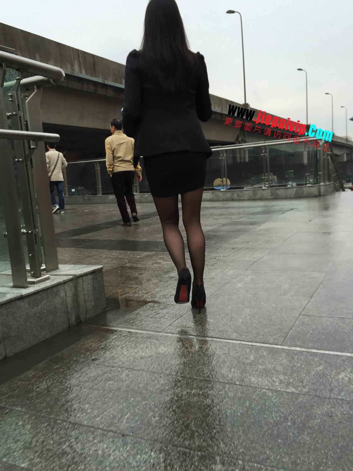 街拍职业OL美女,黑丝高跟,短裙包臀45