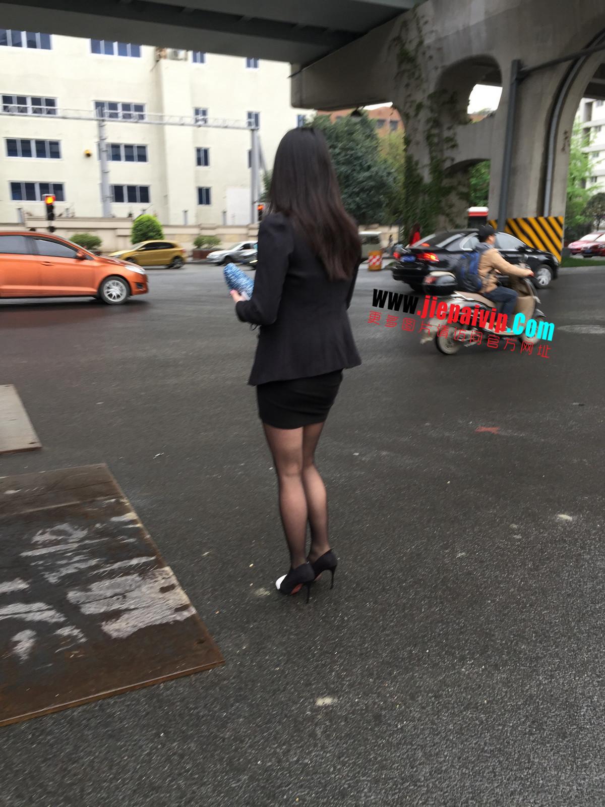 街拍职业OL美女,黑丝高跟,短裙包臀5
