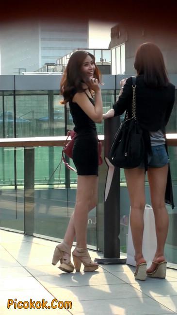 翘臀超短裙美女,没人能抵抗如此的美色