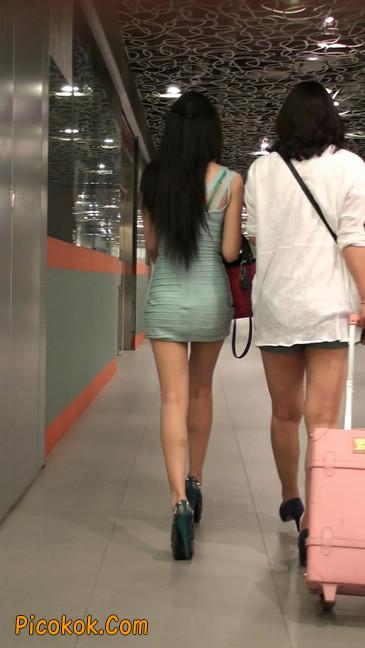 大搔货刚小希来了(第二季):蓝色包臀深V爆乳,同样的高跟鞋106