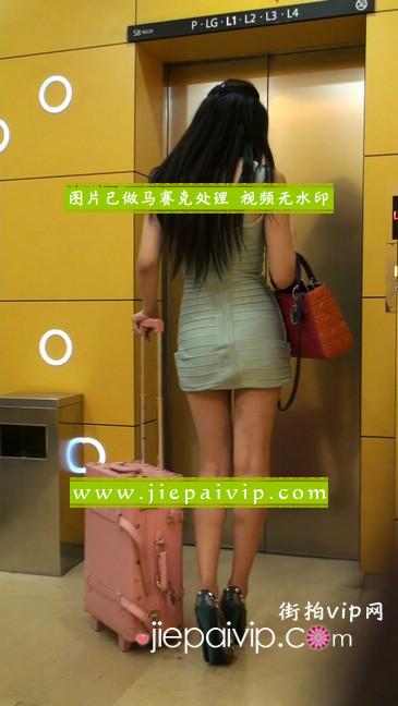 大搔货刚小希来了(第二季):蓝色包臀深V爆乳,同样的高跟鞋15