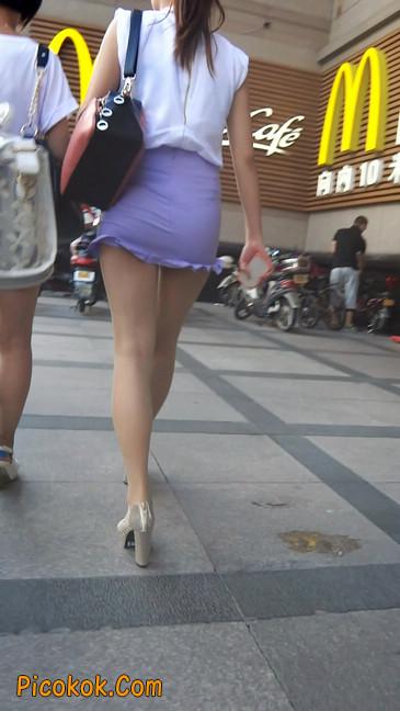 街拍,美女穿着又短又紧的裙子1