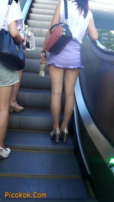街拍,美女穿着又短又紧的裙子9