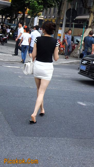 极品紧身短裙少妇,短裙又紧又短,实在按捺不住3