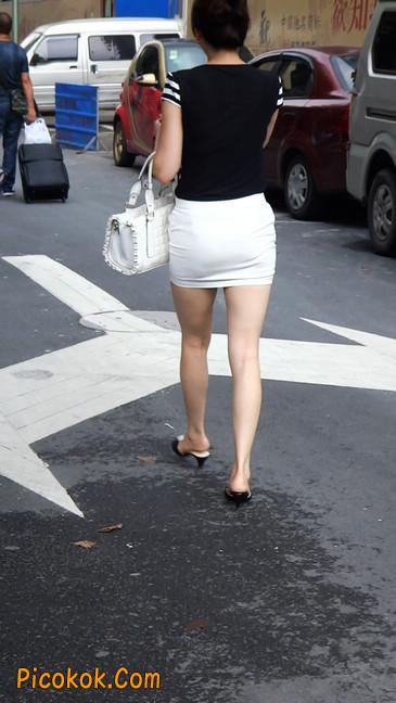 极品紧身短裙少妇,短裙又紧又短,实在按捺不住4