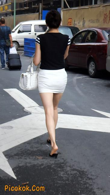 极品紧身短裙少妇,短裙又紧又短,实在按捺不住5