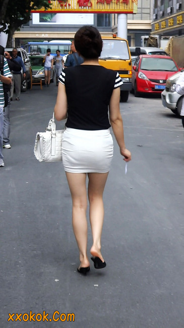极品紧身短裙少妇,短裙又紧又短,实在按捺不住7