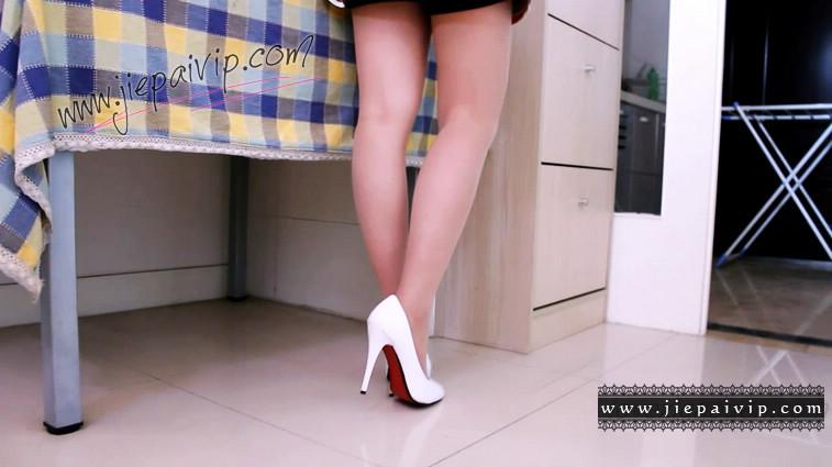 短片490-Vivian的清秀白色高跟鞋短片5