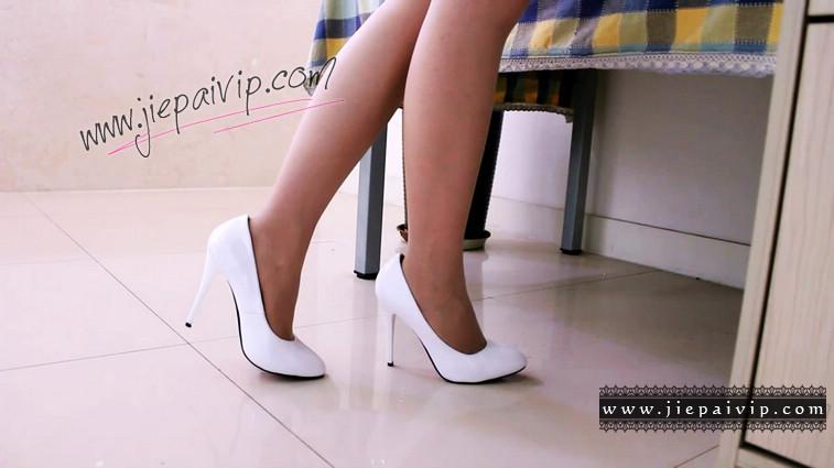 短片490-Vivian的清秀白色高跟鞋短片9