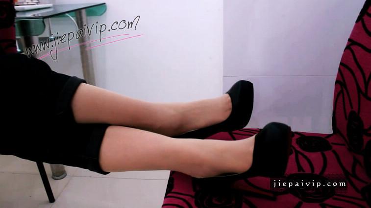 短片491-Vivian的浅口亚光红底高跟鞋短片4