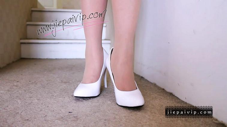 短片503-Vivian的白色细高跟鞋视频7