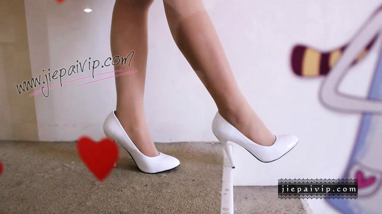短片503-Vivian的白色细高跟鞋视频10