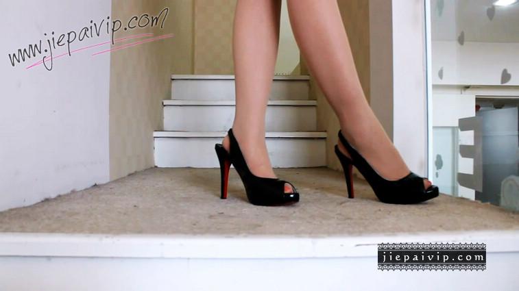 短片504-Vivian的黑色红底高跟凉鞋7