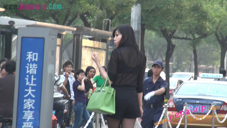 北京三里屯街拍美女,超有气质48