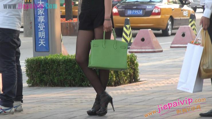 北京三里屯街拍美女,超有气质55
