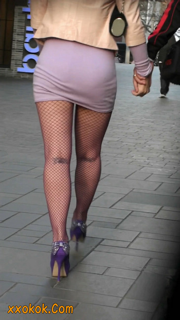 丝丝会紫色网袜的高跟极品美女3
