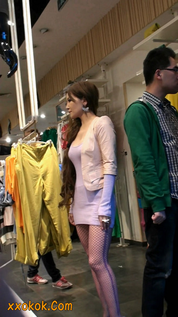 丝丝会紫色网袜的高跟极品美女28