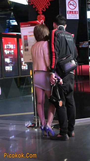 丝丝会紫色网袜的高跟极品美女35