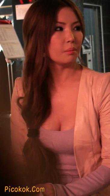 丝丝会紫色网袜的高跟极品美女39