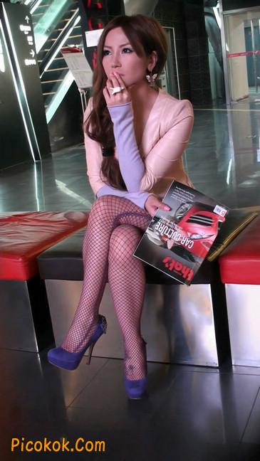 丝丝会紫色网袜的高跟极品美女42