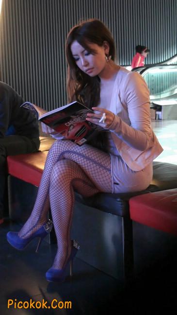 丝丝会紫色网袜的高跟极品美女48
