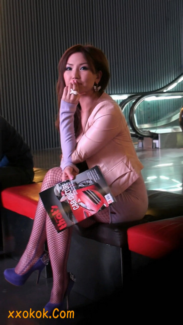 丝丝会紫色网袜的高跟极品美女49