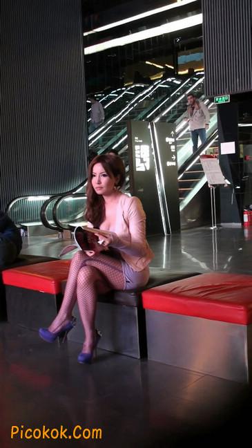 丝丝会紫色网袜的高跟极品美女50