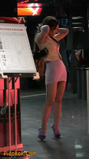 丝丝会紫色网袜的高跟极品美女61